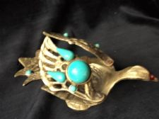 UNUSUAL VINTAGE SOLID BRASS SMALL DISH BIRD WITH OPENING WINGS TURQUOISE INSETS